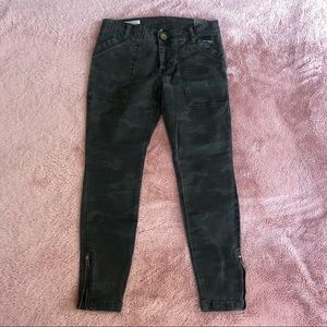 Kit from the Kloth green camp sz 2p ankle jeans